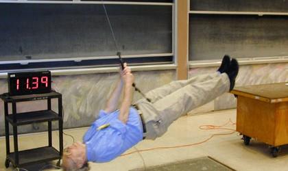 """Kuark Bilim Topluluğu Fizik Çalışma Grubu tarafından yürütülen """"MIT Fizik Dersleri"""" projesinin çalışması 5 Ocak 2013 tarihinde Kuark Bilim Topluluğu'nun Youtube kanalında ve web sitesinde yayınlandı. Dünyaca ünlü MIT'nin açık […]"""